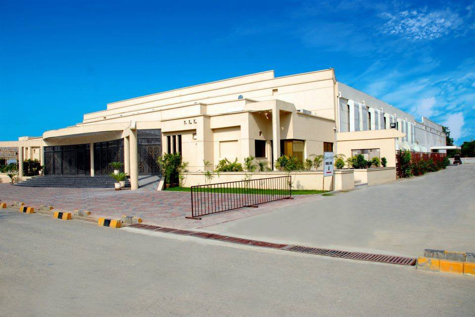 Qasar-e-Noor Hall no 3-Garrison Golf & Country Club - Booked.pk