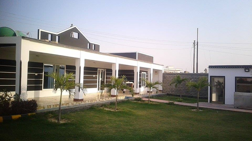 Paracha FarmHouse - Booked.pk