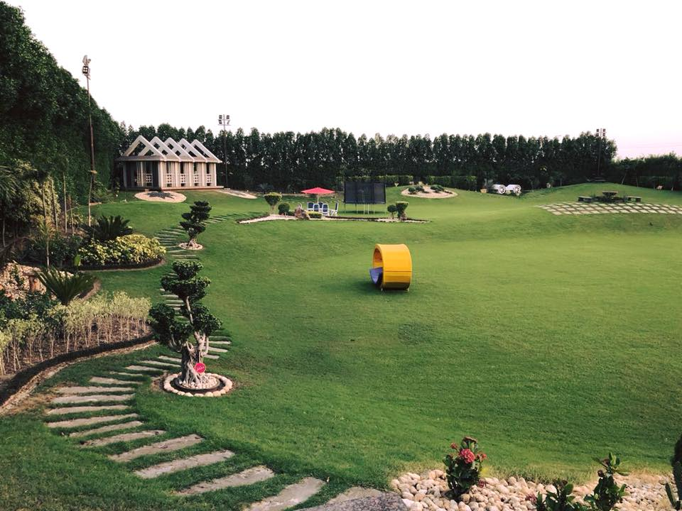 Bedian Farm House Q resort - Booked.pk